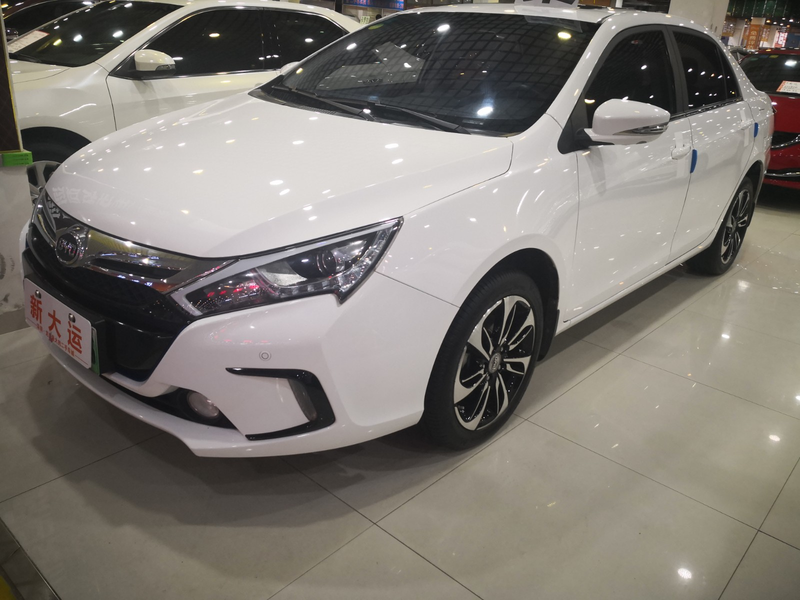 比亚迪 秦 2016款 秦EV300 尊荣型