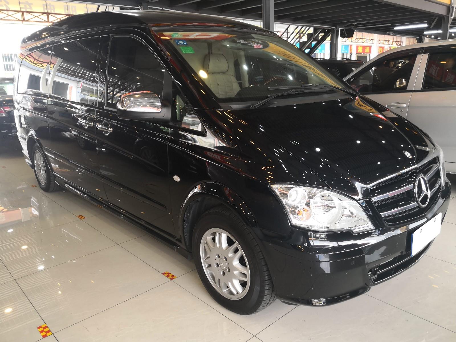 奔驰 威霆 2011款 2.5L 7座行政版
