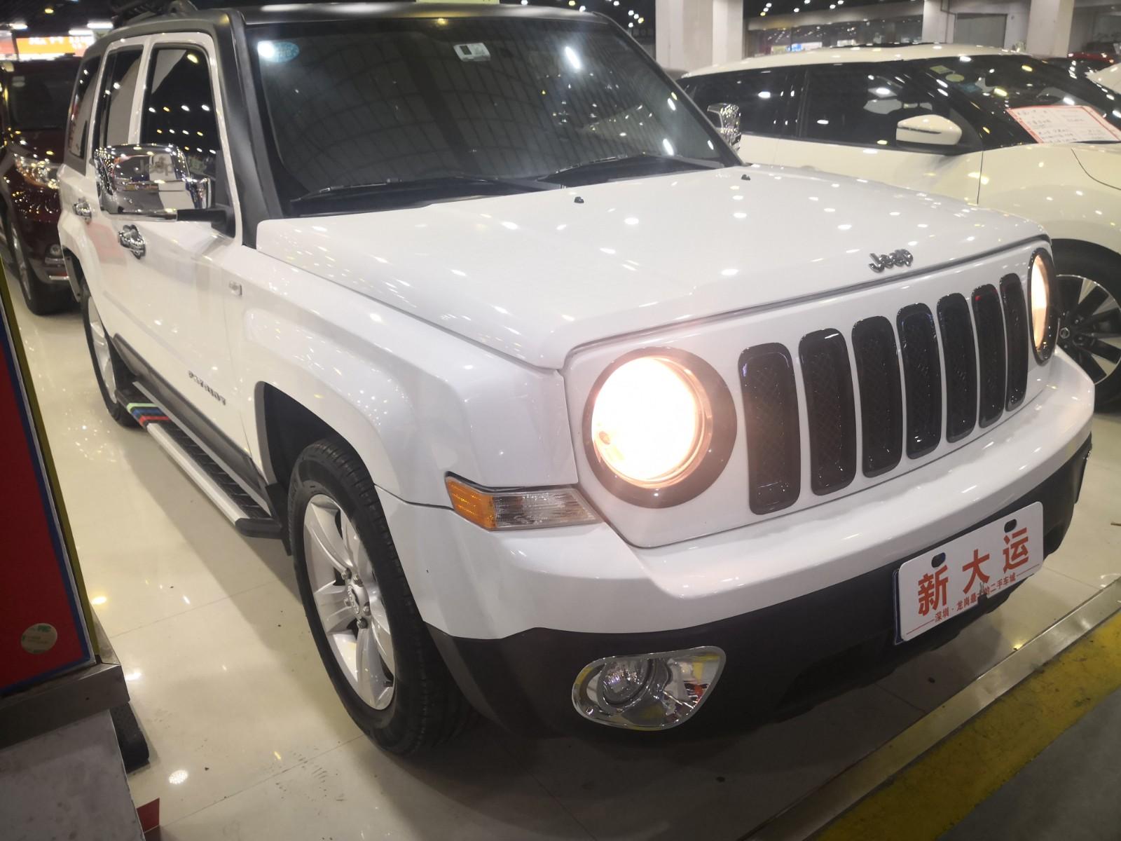 Jeep 自由客 2015款 2.0L 运动版