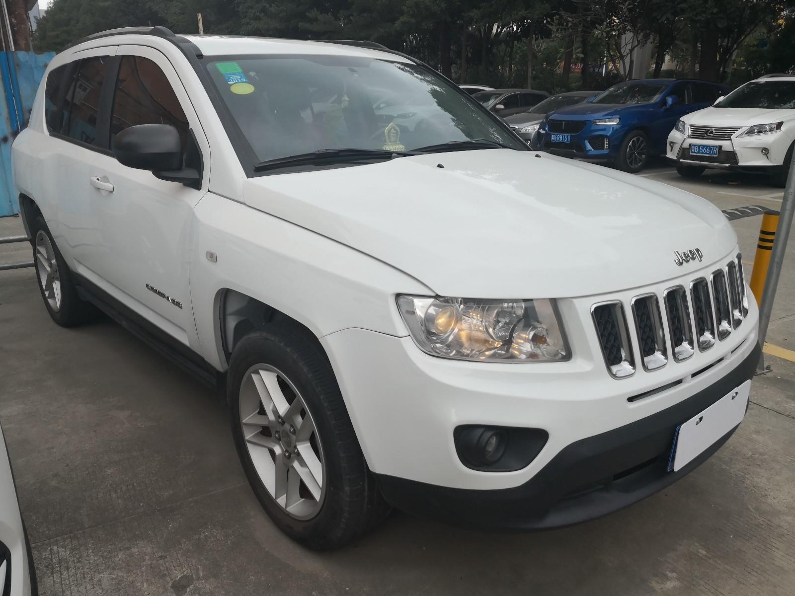 Jeep 指南者(进口) 2012款 2.0L 两驱豪华版
