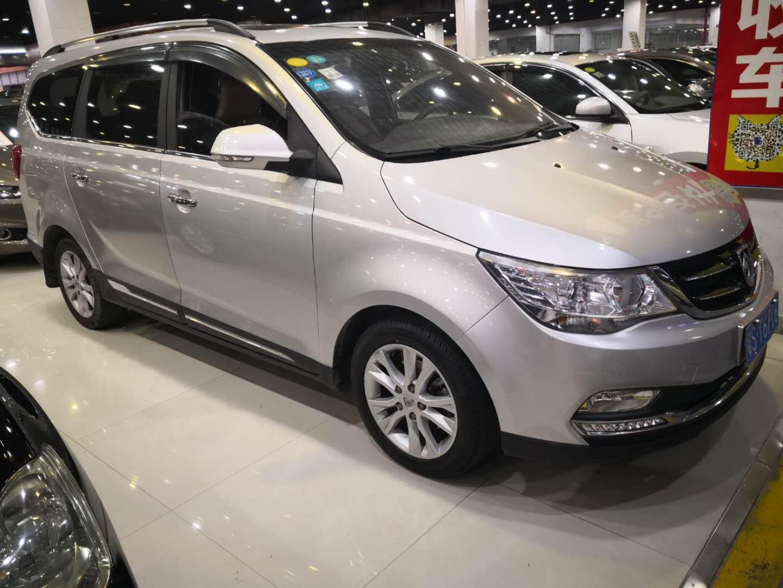 宝骏730 2014款 1.5L 手动舒适型 7座